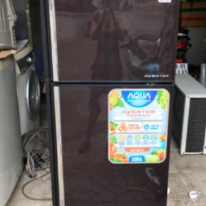 Tủ lạnh Aqua (225 lít) inverter tiết kiệm điện mới 90%
