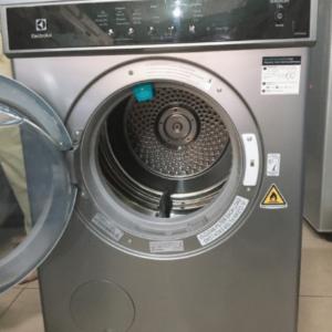 Máy sấy cũ Electrolux 7.5 kg EDS7552S mới 90%