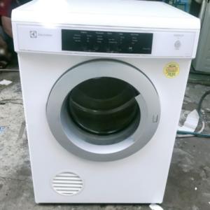 Máy sấy Electrolux mới 90% giá rẻ tại Sài Gòn