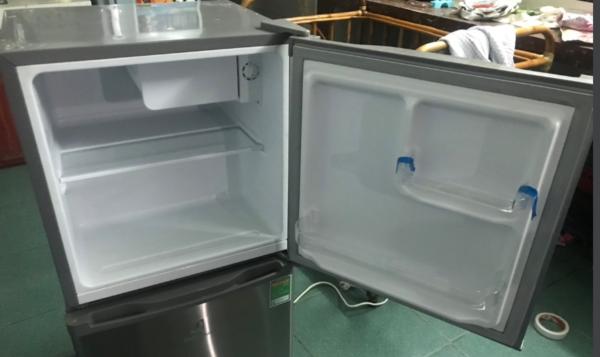Tủ lạnh Electrolux 90 lít mới 90%